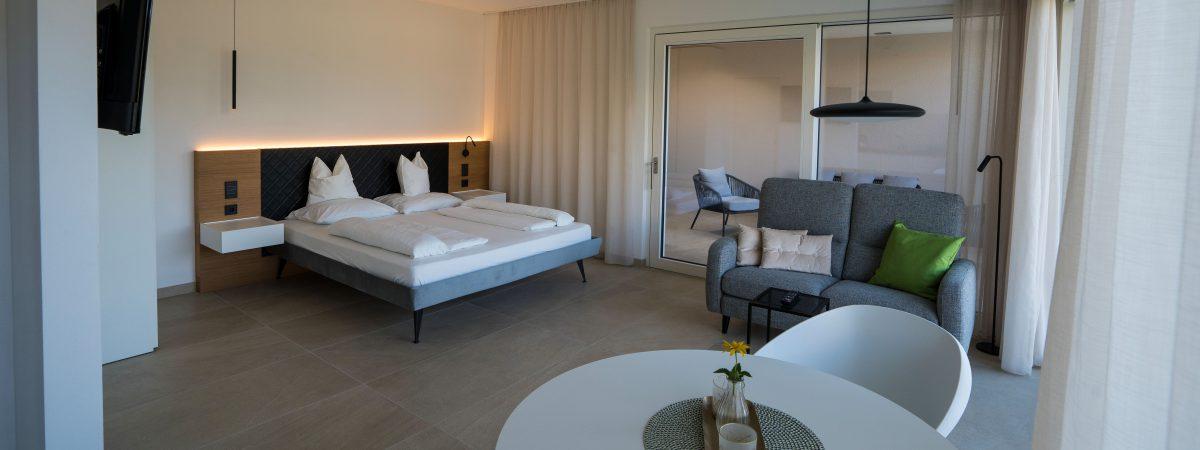 Zilli Studio Apartment - Living room